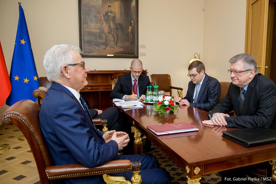 Посол в Польше Андреев у министра иностранных дел Чапутовича, 7.02.18.png
