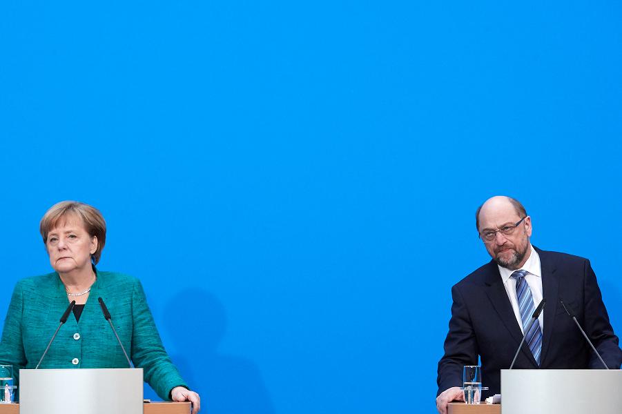 Меркель и Шульц после переговоров о правительстве.png