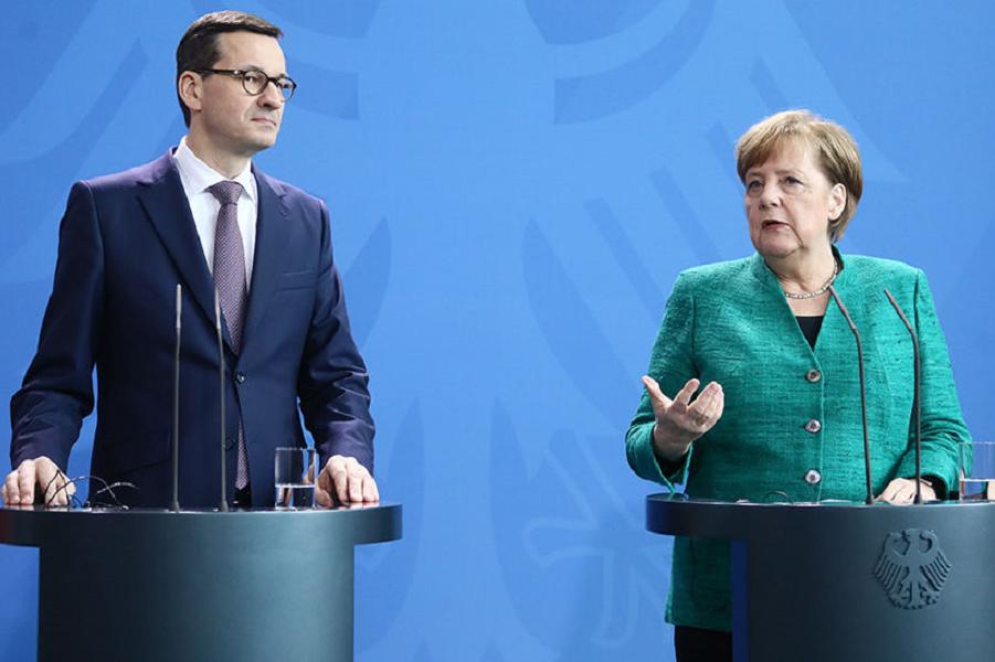 Меркель и премьер Польши Маровецкий.png