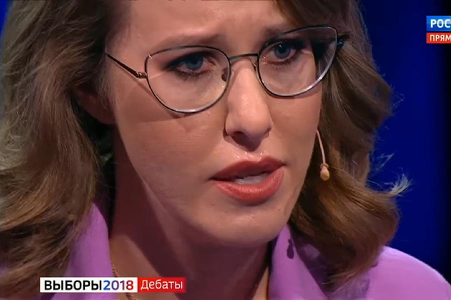Собчак плачет на дебатах.png