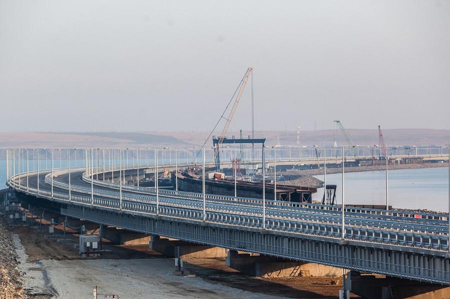 Крымский мост, автомобильная дорога.png