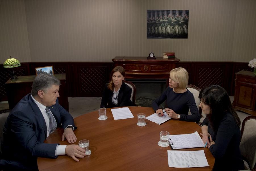 Порошенко, интервью украинским телеканалам.png