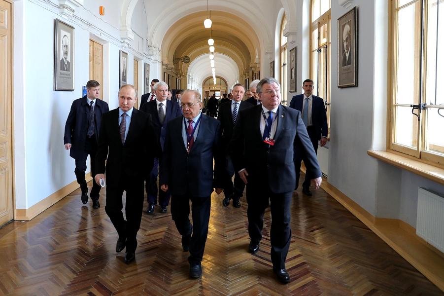 Путин и ректоры, 26.04.18.png