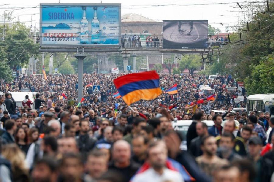 Митинг в Ереване, Артем Геодакян, ТАСС.png