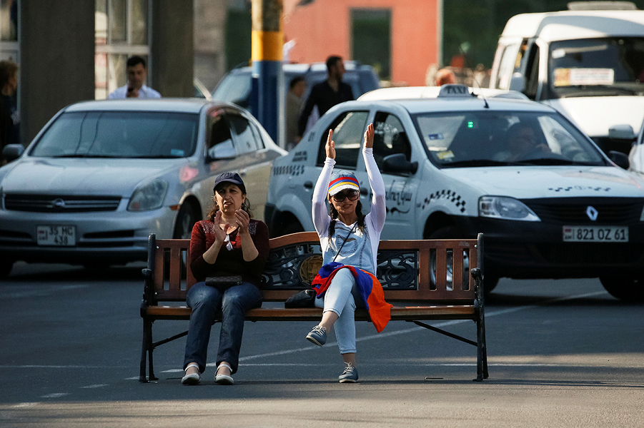 Блокпост в Ереване, 2.05.18.png