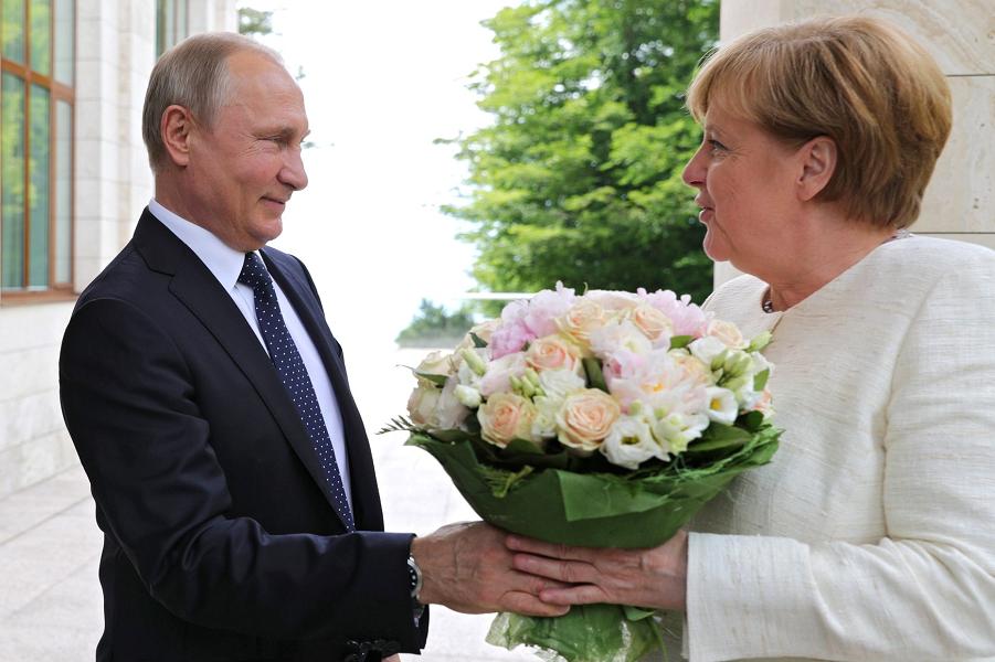 Меркель в Сочи, 18.05.18.png