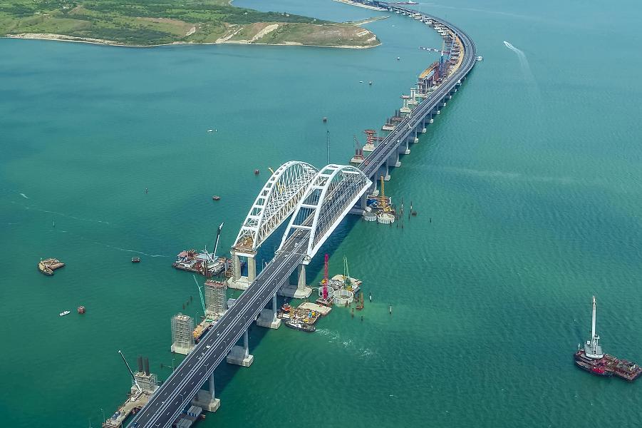 Крымский мост открыт для автомобилей.png