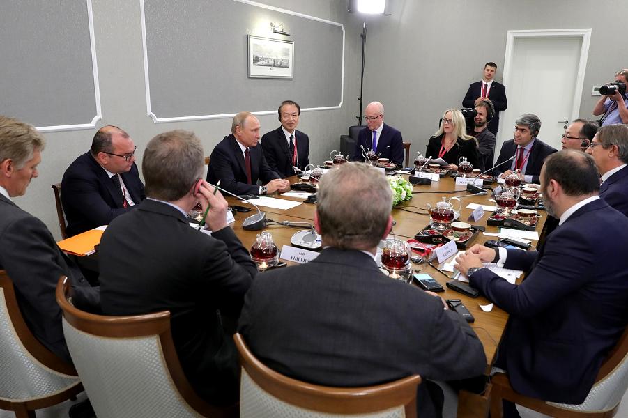 Встреча с руководителями международных информационных агентств, 25.05.18, XXII ПМЭФ.png
