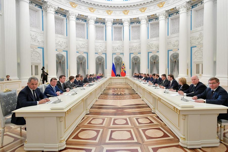 Путин с новым правительством, 26.05.18.png