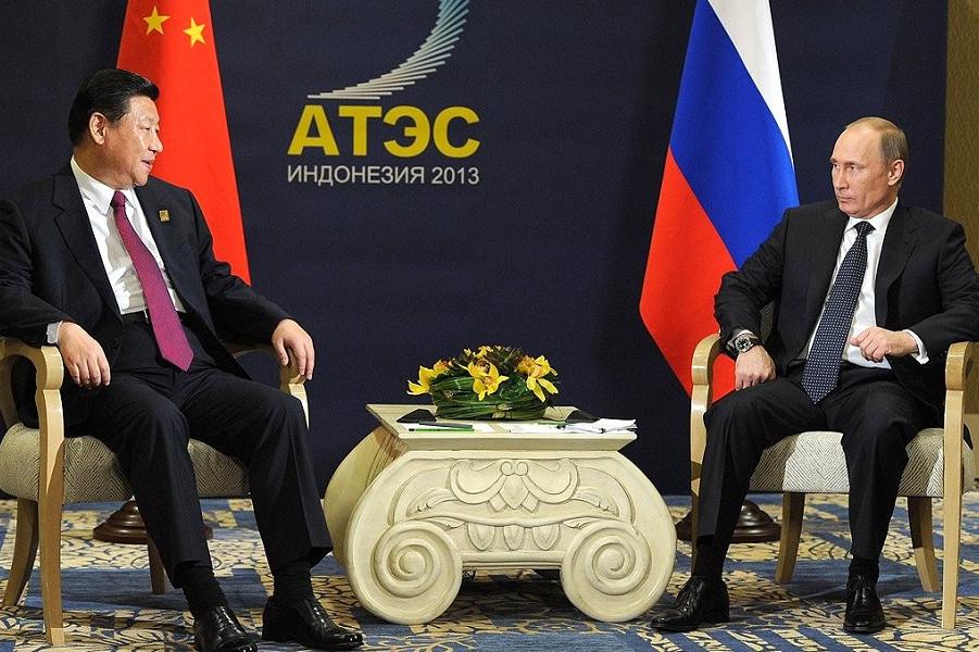 Встреча президента Путина с председателем КНР Си Цзиньпином, 7.10.18, Бали, Индонеия, саммит АТЭС-2.png