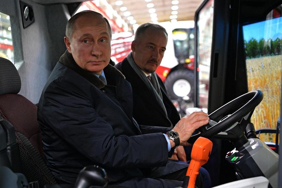 Путин у Бабкина на Ростсельмаше.png