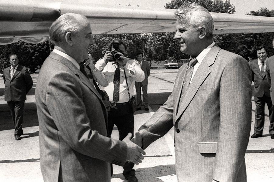 Горбачев и Кравчук.png
