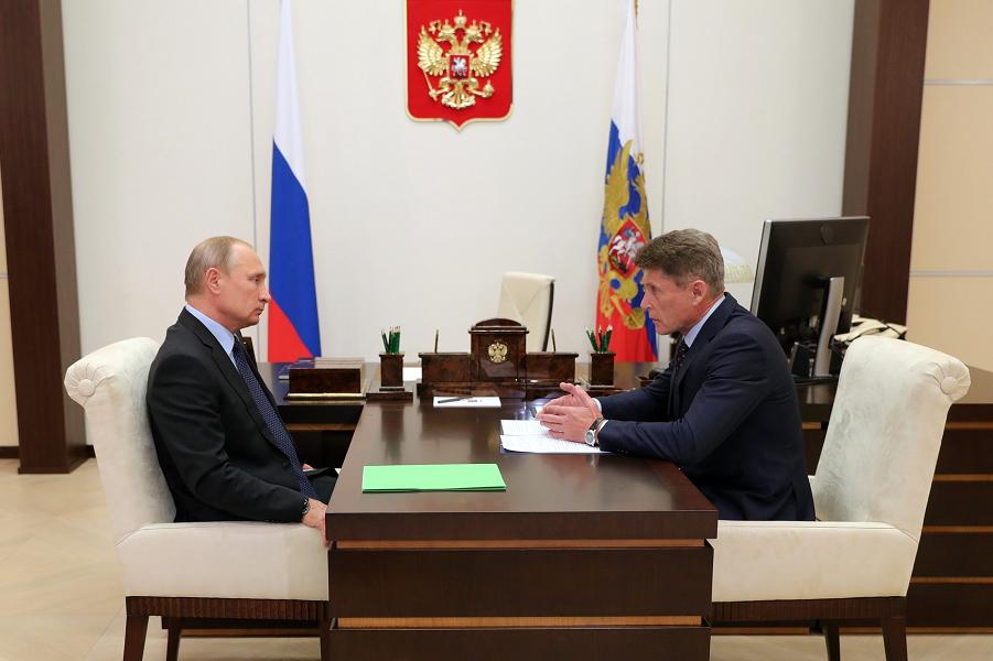 Рабочая встреча президента Путина с Олегом Кожемяко, 2.09.18, Ново-Огарево.png