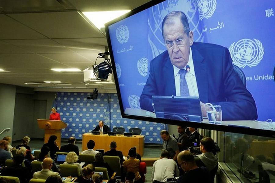 Пресс-конференция Лаврова в ООН, 29.09.18.png