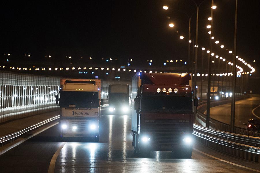 Открылось движение грузового транспорта по Крымскому мосту-2, 1.10.18.png