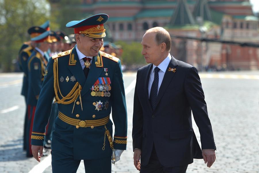 Министр обороны Шойгу и Путин.png