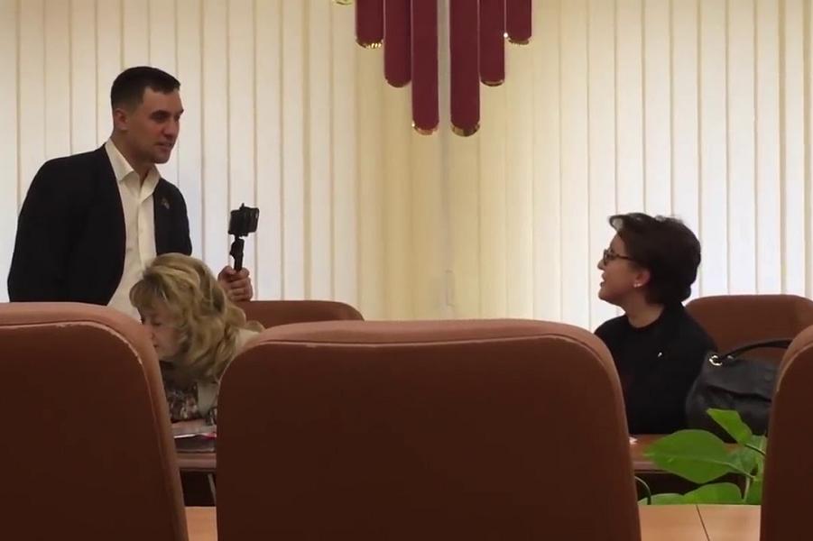 спор министра Соколовой с депутатом.png