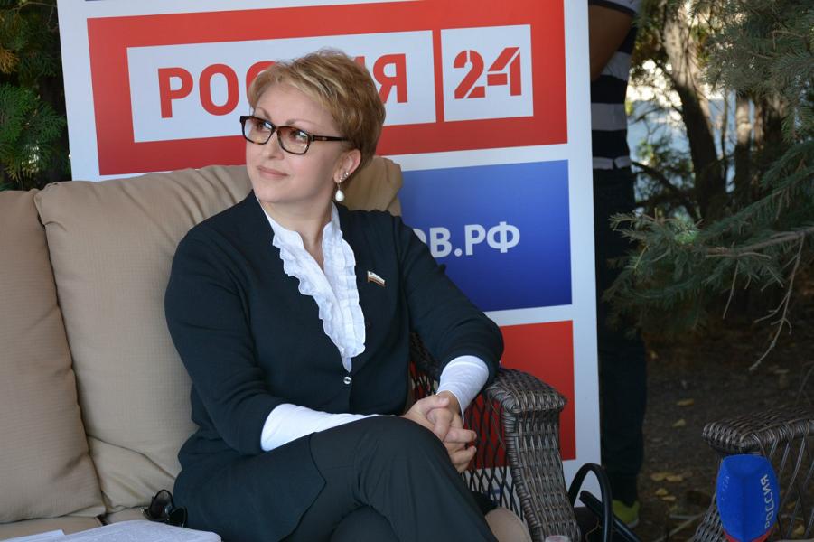 Наталья Соколова, министр правительства Саратовской области.png