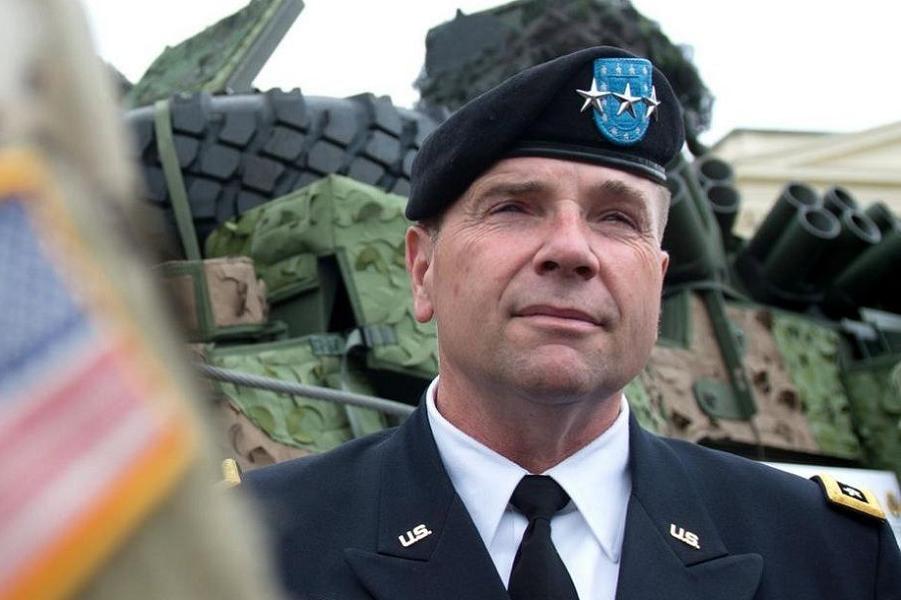 Генерал-лейтенант Бен Ходжес.png
