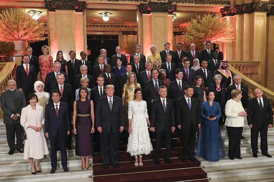 Фотография перед торжественным концертом для участников саммита G-20, Аргентина, 1.12.18,.png