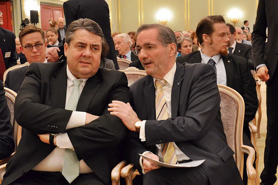 Германо-российский форум, Маттиас Плацтек и Зигмар Габриэль.png