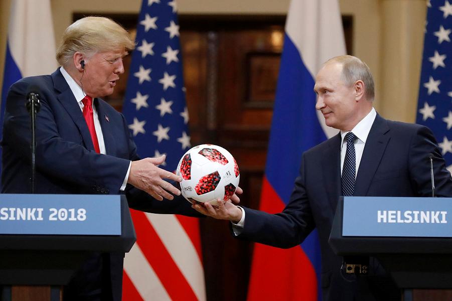 Путин и Трамп в Хельсинки.png