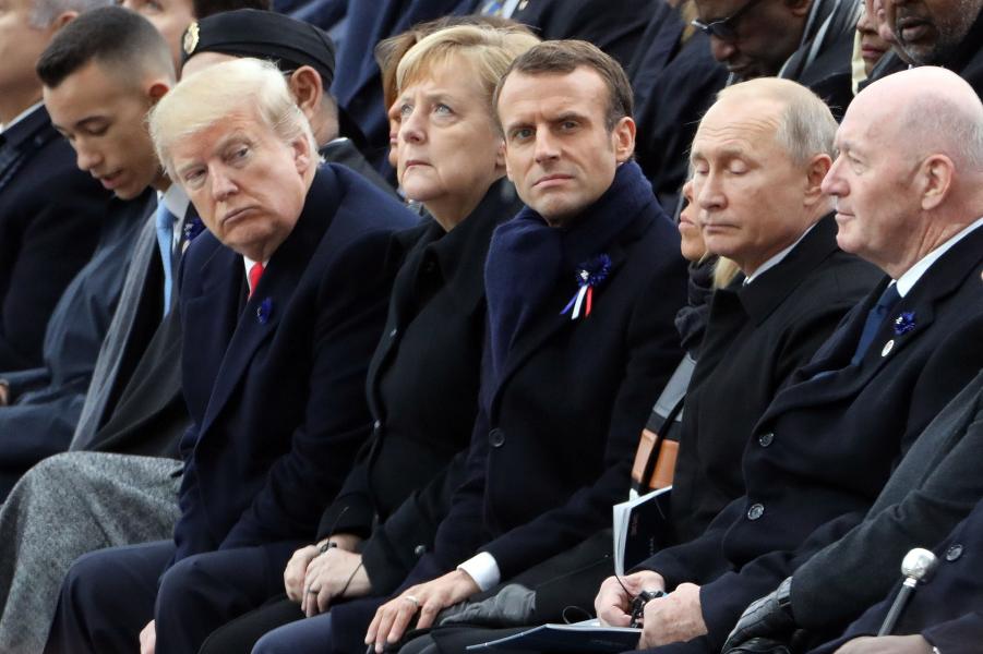Трамп, Путин и мировые лидеры на торжествах по случаю 100-летия перемирия в Пеhdой мировой войне, Париж, 11.11.18.png