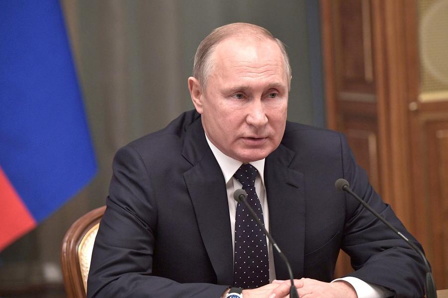 Встреча Путина с правительством Медведева-3, сайт Кремля, 26.12.18.png