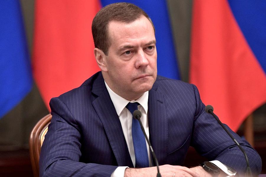 Встреча Путина с правительством Медведева-4, сайт Кремля, 26.12.18.png
