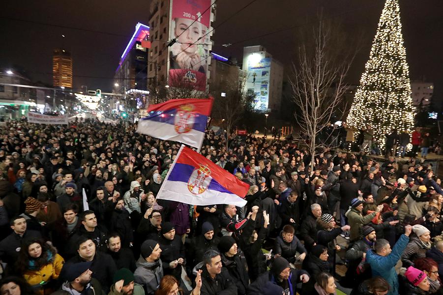 Демонстрация против Вучича в Сербии-5, 29.12.18.png