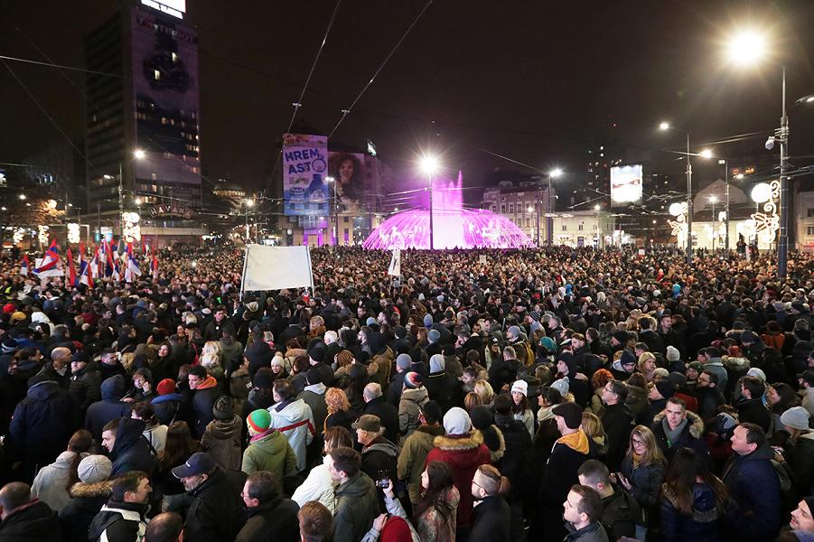 Демонстрация против Вучича в Сербии-6, 29.12.18.png