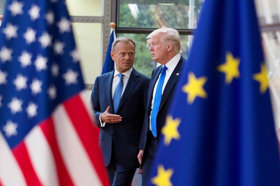 Председатель Евросовета Дональд Туск и президент США Дональд Трамп.png