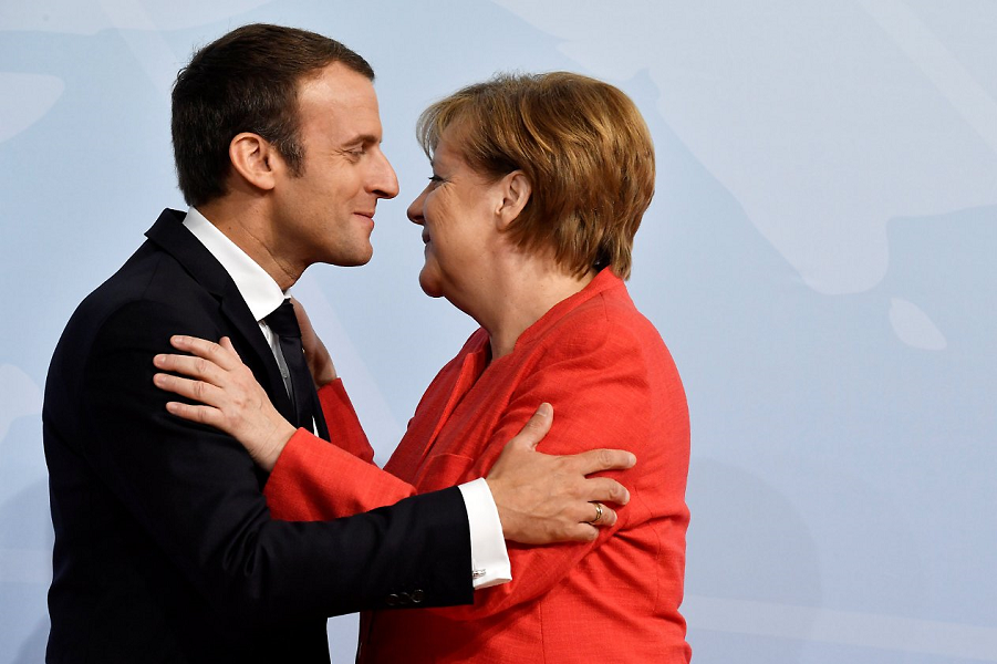 Макрон и Меркель.png