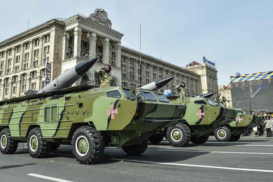 Парад в Киеве.png