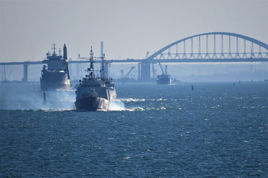 Керченский пролив, Крымский мост.png