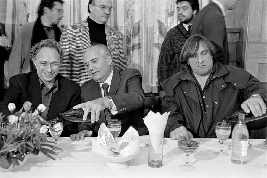 Горбачев принимает гостей.png