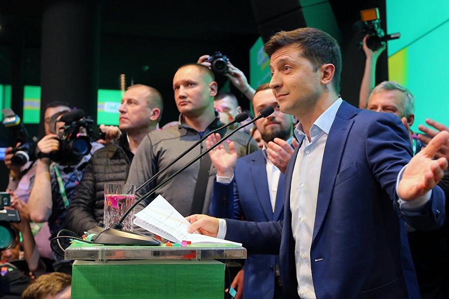 Зеленский в штабе, выборы.png