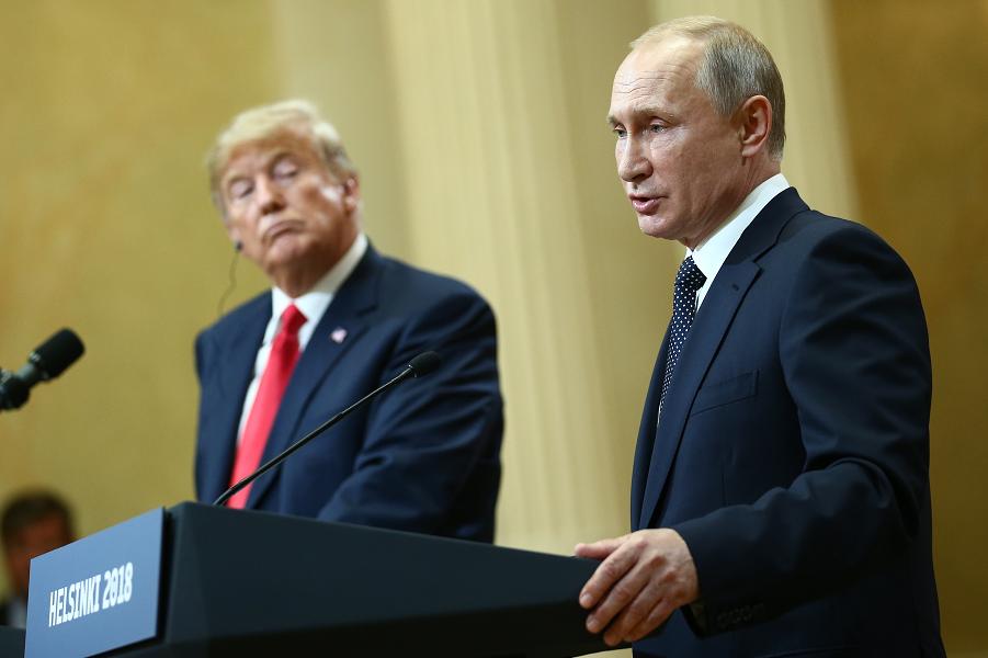 Путин и Трамп, пресс-конференция в Хельсинки, июнь 2018.png