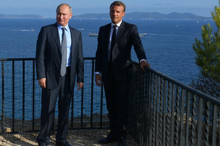 Визит Путина во Францию, Борм-ле-Мимоза, 19.08.19.png