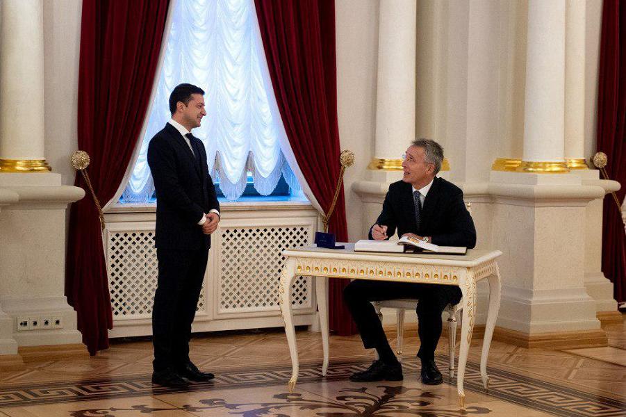 Президент Зеленский и генсек НАТО Столтенберг, 31.10.19.png