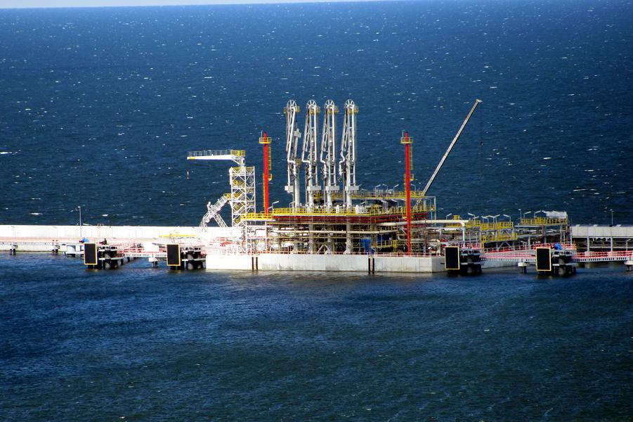 LNG terminal in Świnoujście.png