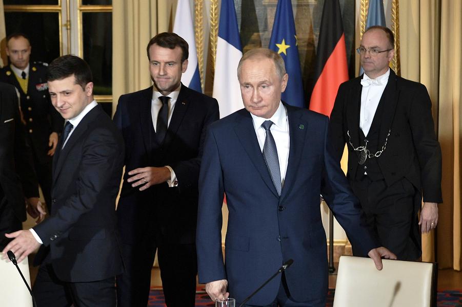 Зеленский, Макрон и Путина, встреча нормандской четверки, 26.12.19.png