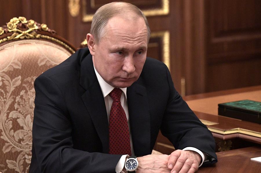 Путин слушает Мишустина, 15.01.20.png