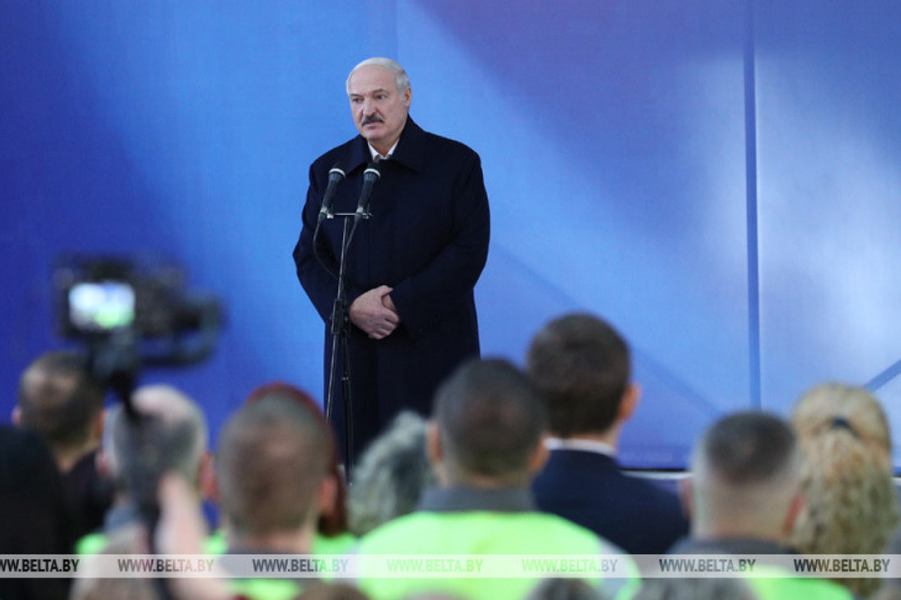 Президент  Лукашенко выступает в Светлогорске, 114.02.20.png