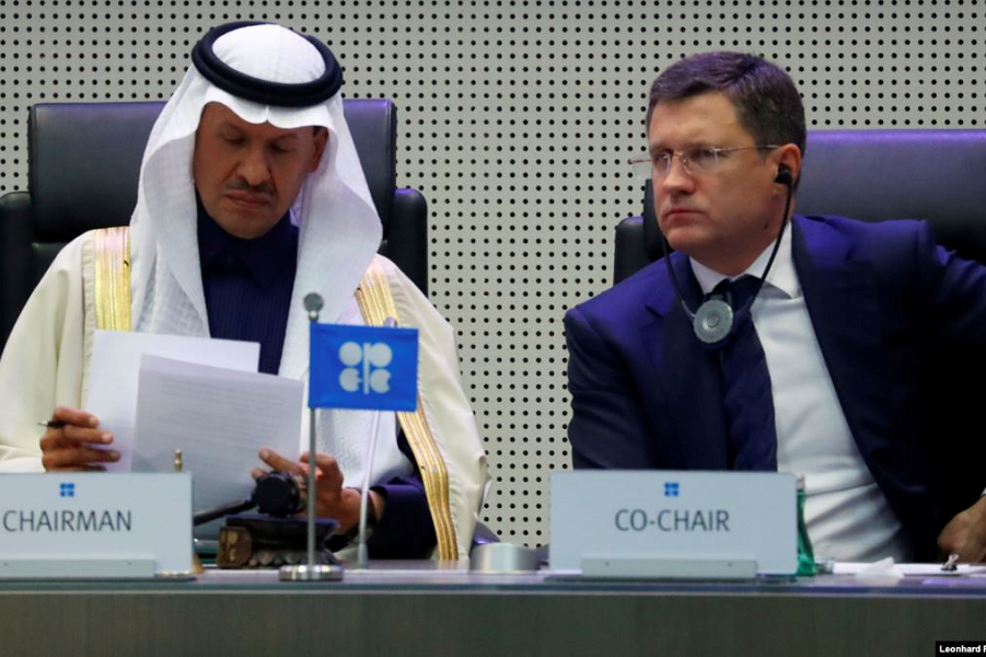 Министр Новак на заседании ОПЕК+.png