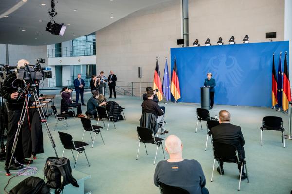ЕС угрожает распад? Канцлер Германии Ангела Меркель вышла из карантина, теперь нет!