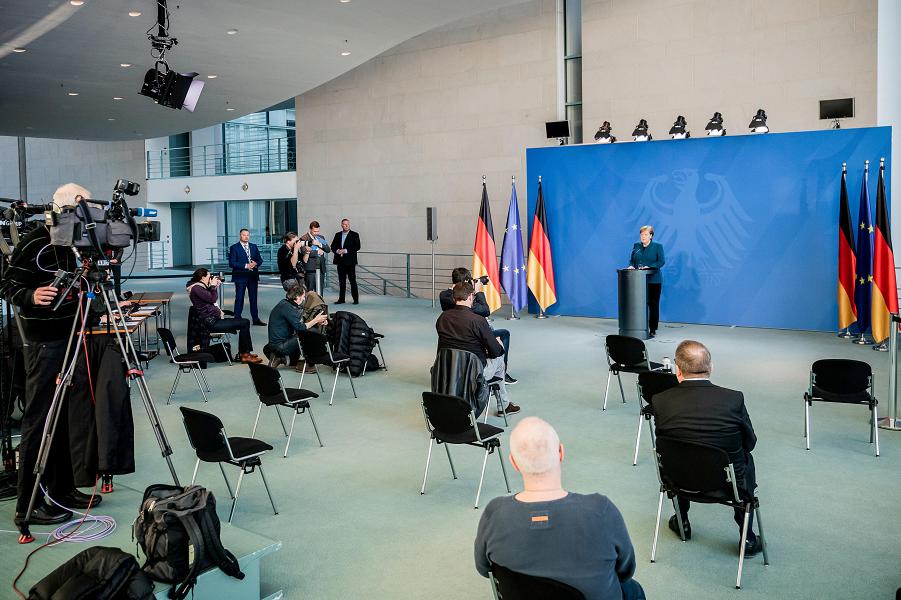 Канцлер Меркель вышла из карантина, 3.04.20.png