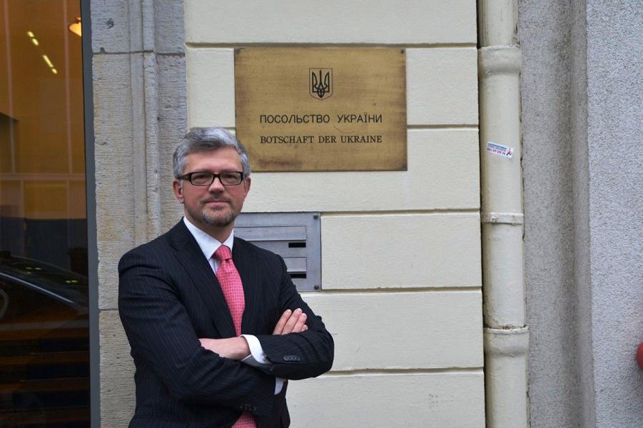 Андрей Мельник, посол Украины в Германии.png