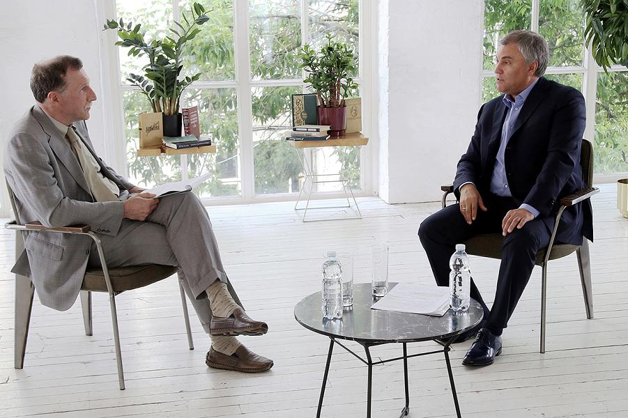 Вячеслав Володин, председатель Государственной Думы, дает интервью журналисту Георгию Бовту.png