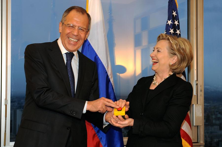 Клинтон, Лавров и кнопка перегрузки.png